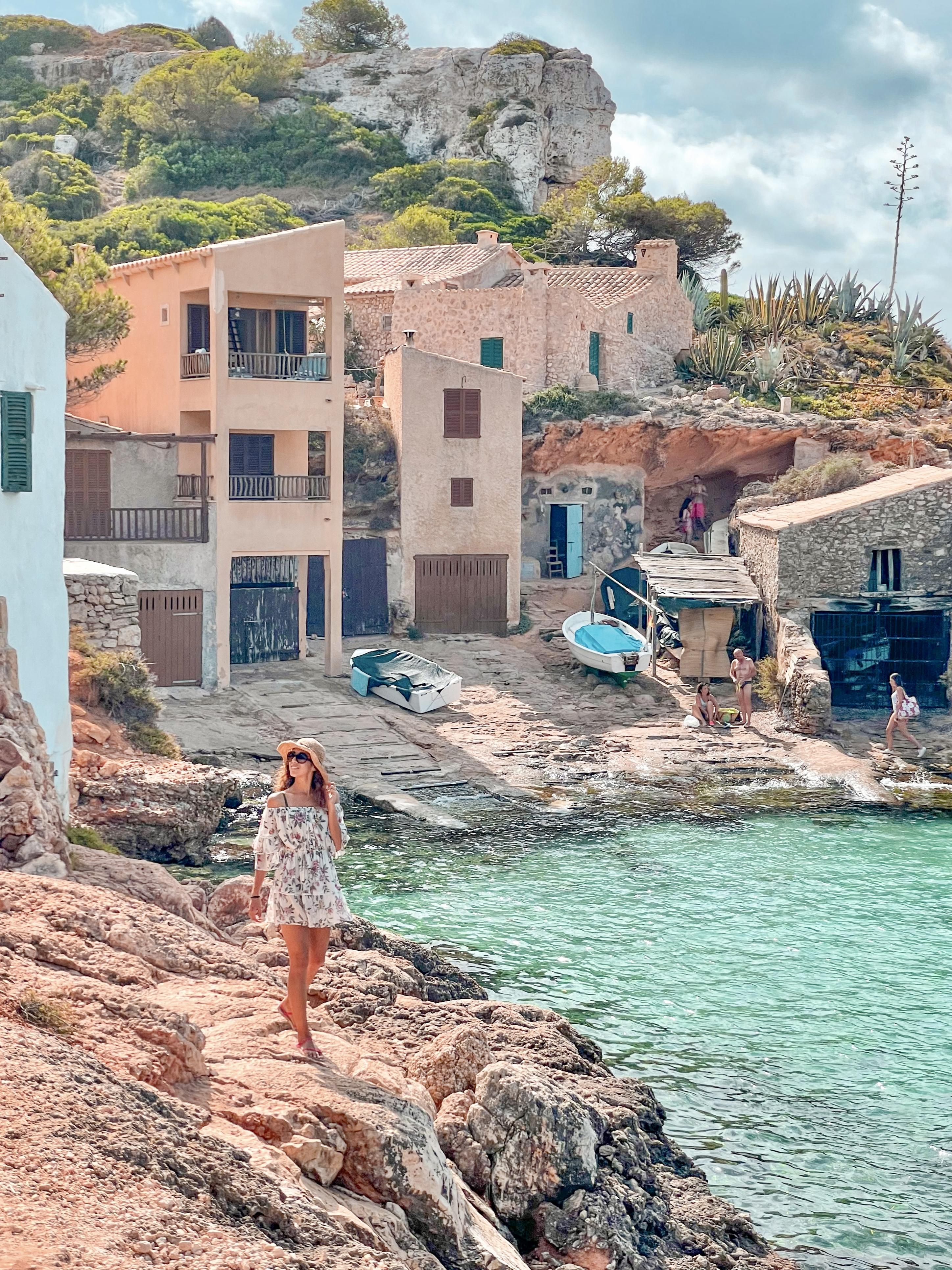 Cala de sálmunia en Mallorca